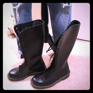 Dr. Martens 20 Eye Lace Up Boots 11300